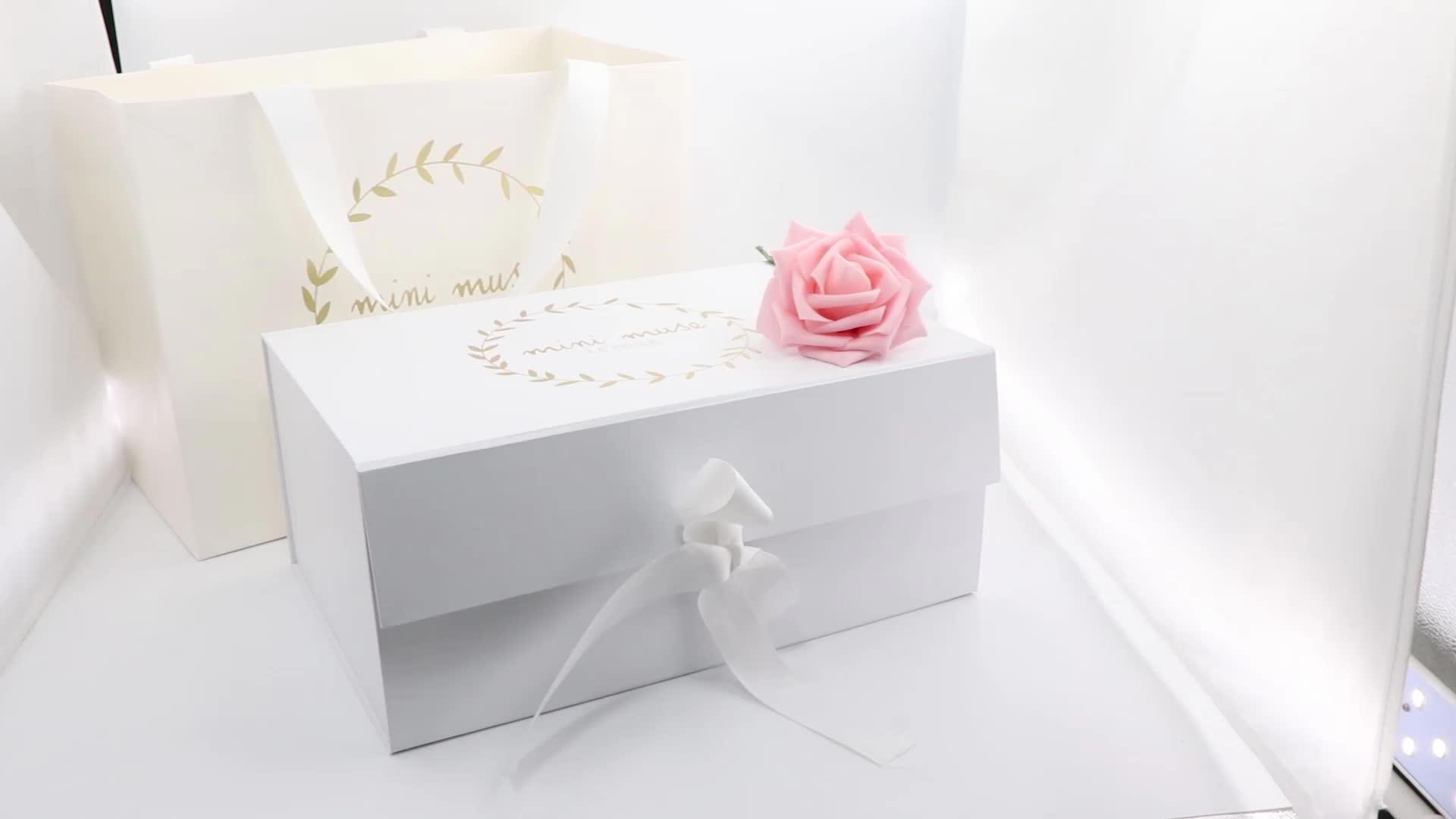 Custom logo printing white paper flat folding gift clothes  box with ribbon