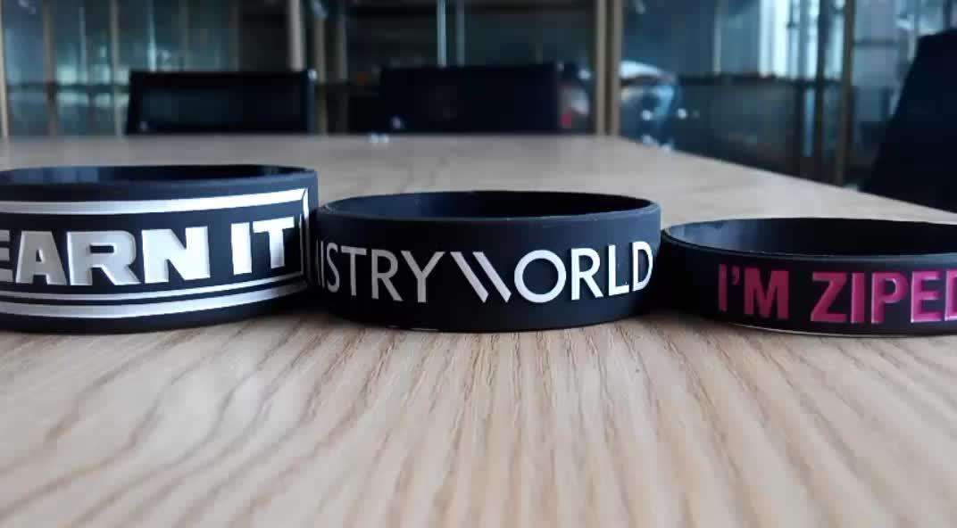 Professional OEM Silicone Wristband Custom Festival Wristband
