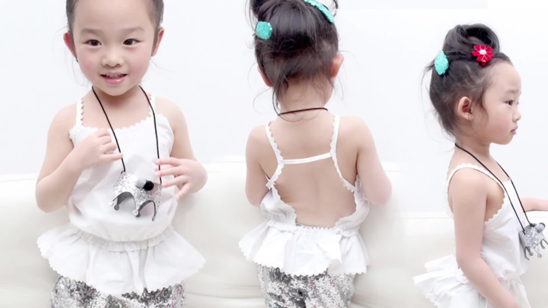 Sommerkinderbekleidungsdrucken beiläufige Mädchenoberseite u. Extravagante kurze Hosen 2PCS Kleidungssatz