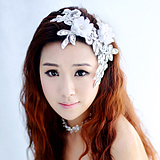 Qianse Bride Fortunately, thousands of colors bridal pearl necklace wedding flowers and handmade lace headdress Korean wedding with jewelry Parure