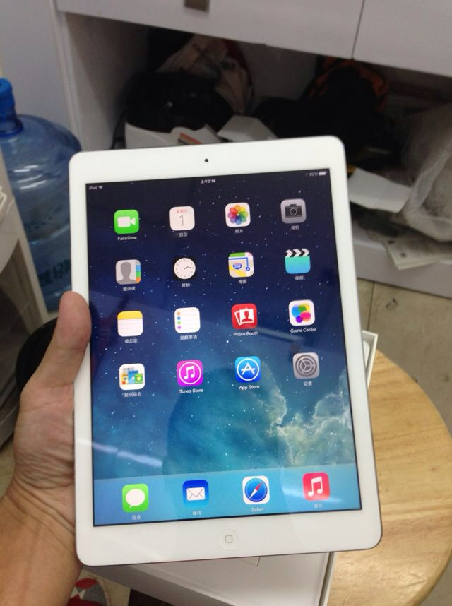 Планшет Apple  Ipad Air 16GB WIFI