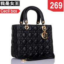 2013 new lady Diana package leather small chili patent leather handbags Lingge shoulder portable sheepskin handbags
