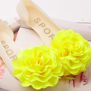 Цвет: Абрикосового цвета + блестящий желтый цветок