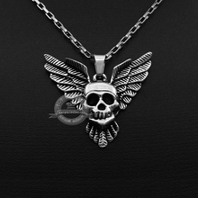 Non-mainstream personality skulls wings Men's titanium steel necklace pendant not fade the devil's wings