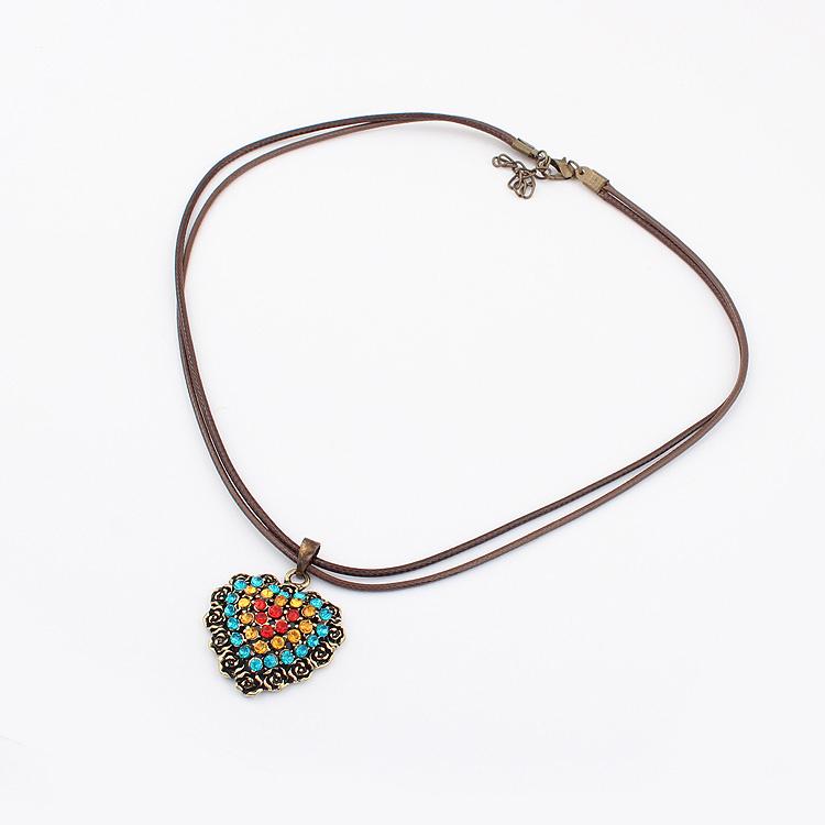 1304精美饰品 义乌小商品批发 流行美特价欧美时尚爱心镶钻项链
