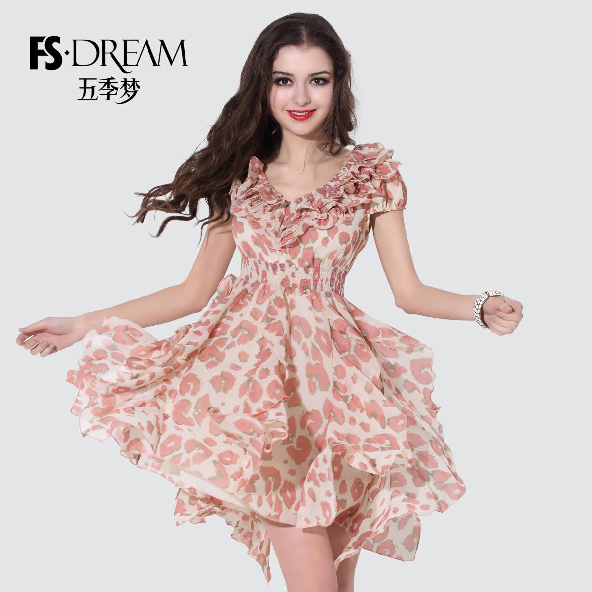 连衣裙春短袖
