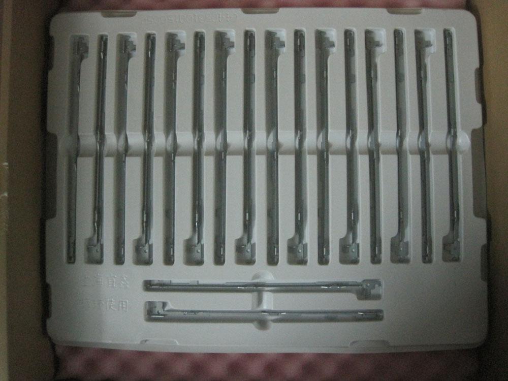 Комплектующие и запчасти для ноутбуков Новый подлинный Dell 1318 n4010 1545 Dell D600 экран ноутбука поддерживает оси экрана Другие компоненты