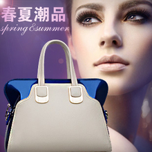 Genuine 2013 spring and summer new Europe / shoulder portable female bag diagonal large / special clearance Korean tidal