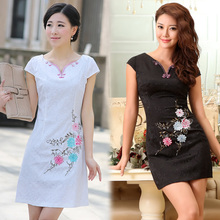 [Show concept Tang anniversary feedback] rainbow flower embroidery improved fashion cheongsam summer 2013 Retro Girl Dress