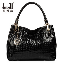 Leather handbags 2013 new Korean version of the retro fashion in Europe and America crocodile pattern handbag shoulder bag lady genuine