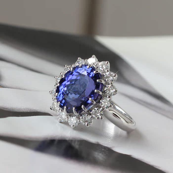 凯特王妃婚戒 戴安娜同款七夕礼物 10克拉5A级天然坦桑石戒指 18K白金钻石