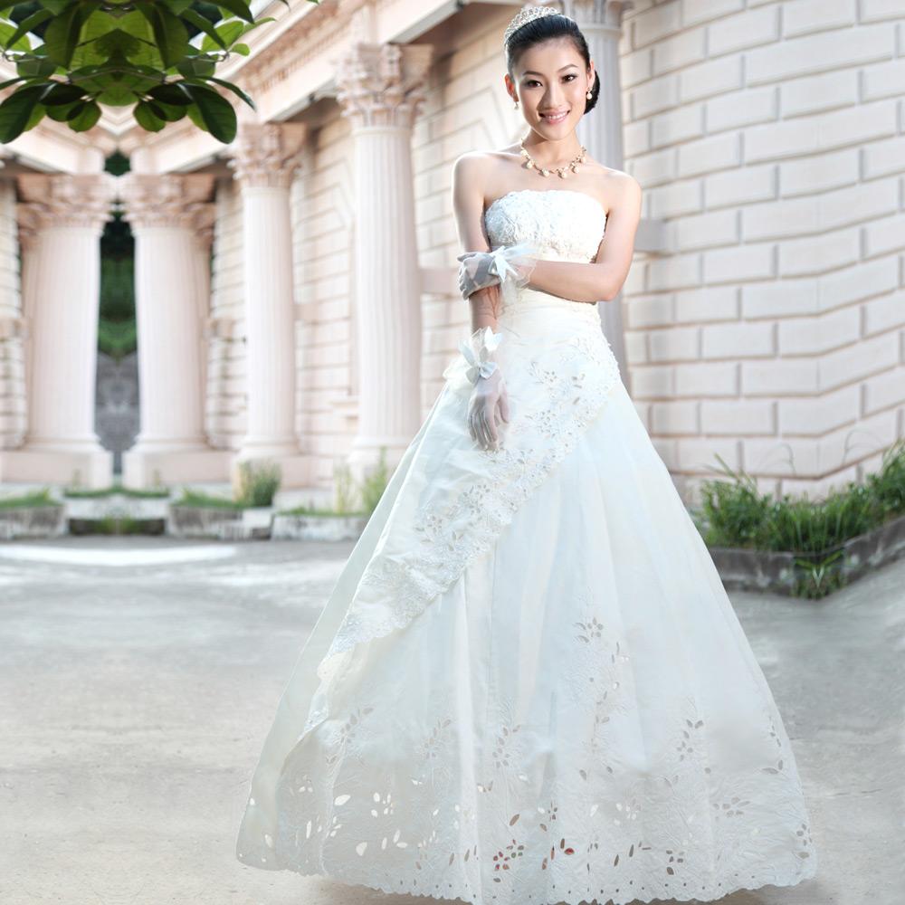 2013轩云阁新娘婚纱礼服 甜美公主齐地婚纱 简约 抹胸婚纱