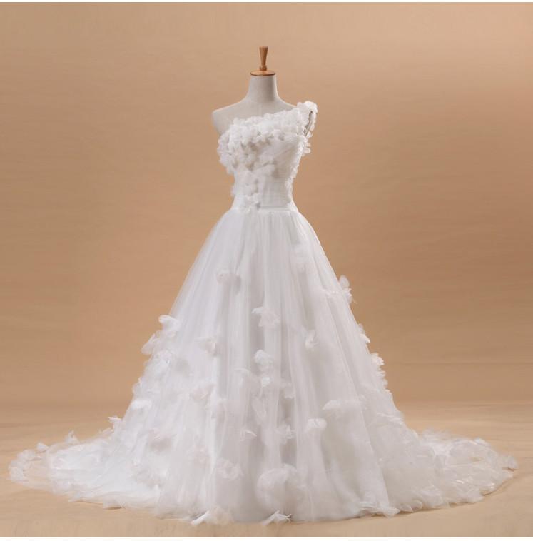 2013新款婚纱 唯美花朵蓬蓬裙大拖尾婚纱单肩显瘦孕妇婚纱 特价