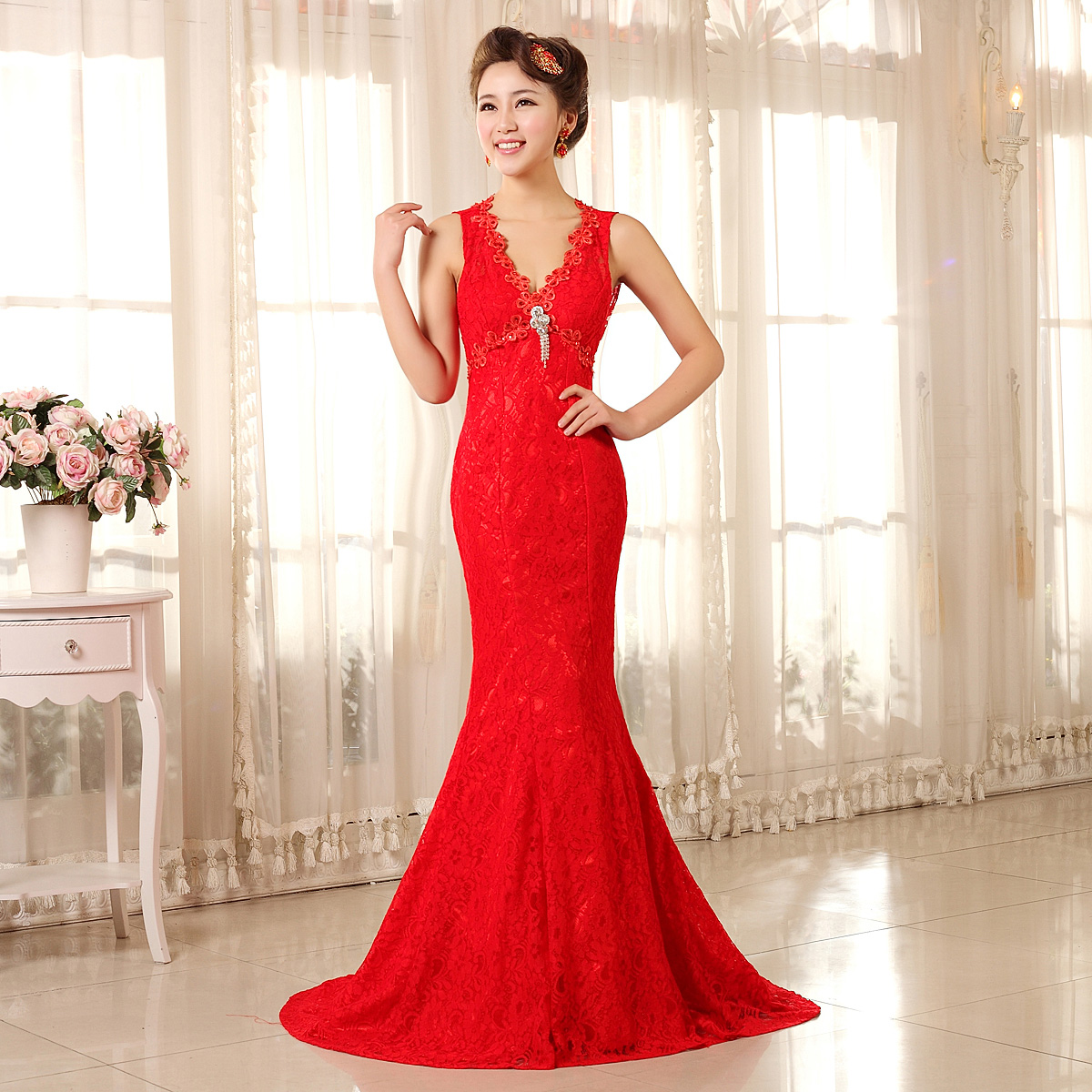 The new 2015 wedding dress the bride toast red long dress sexy halter