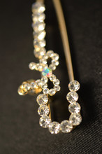 Super cute little bow brooch diamond brooch