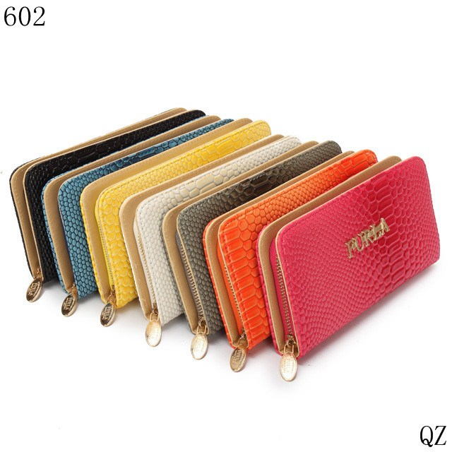 2013 new European and American designer Ms. long wallet in the long section serpentine chain wallet multicolor Pyla