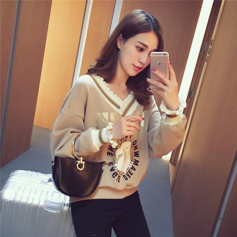 春装新款2017韩版宽松V领印花套头卫衣女百搭气质长袖打底衫上衣