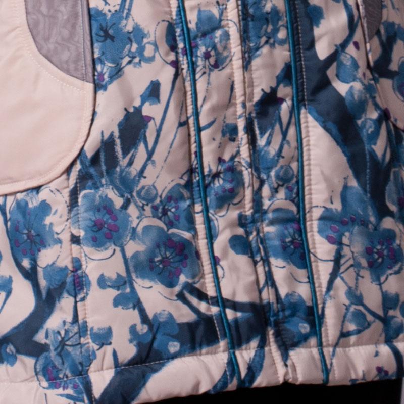 Женская утепленная куртка Show in Tang sg25121 2011 Облегающий покрой Длинный рукав