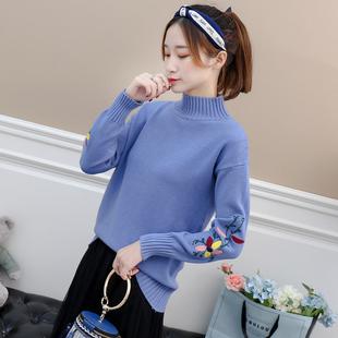 毛衣女加厚百搭秋冬季学生宽松绣花短款套头半高领打底针织衫