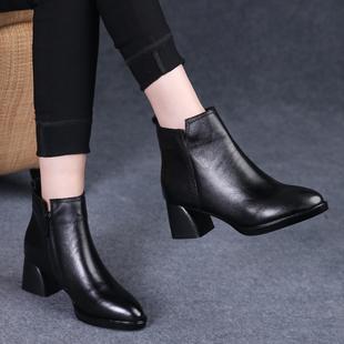 女皮鞋2018秋冬季尖头真皮短靴女粗跟中跟马丁靴加绒厚底女鞋