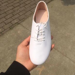真皮系带百搭小白鞋女圆头平底韩版休闲单鞋平跟英伦风复古牛津鞋