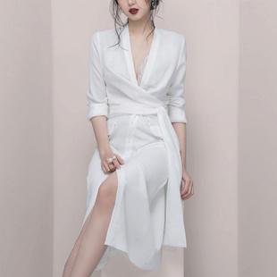 2019女装气质性感蕾丝拼接V领OL风通勤褶皱收腰衬衫连衣裙女