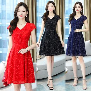 红色波点雪纺连衣裙2021夏季35-45岁收腰显瘦v领短袖气质裙子