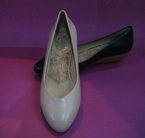艾依/cne斯艾依 正品09款单鞋AM50010A 原价599