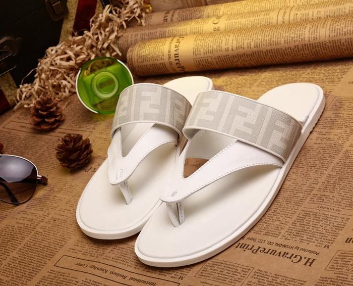 欧美潮鞋简洁大牌风时尚男士夹脚拖鞋 凉拖 平跟牛皮夹趾男凉拖鞋图片