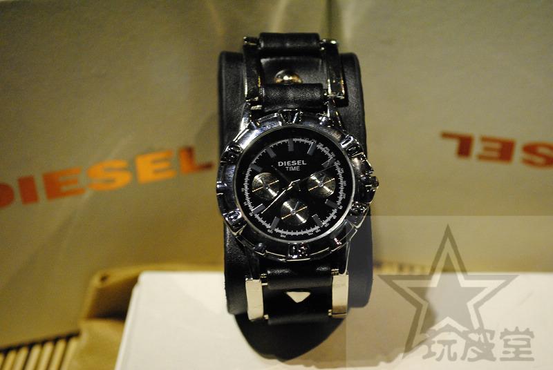 Часы Diesel Кварцевые часы Нейтральная форма