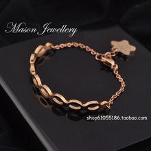 chanel 14 quilates chapado en oro hueco semicircular camelia Chanel pulsera de titanio pulseras colgantes mujeres