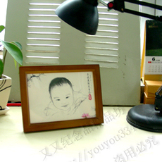 Embroidered picture depicting a child Индивидуальные