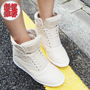 туфли Найди Кореи, приобретение подлинных Женская обувь весной и осенью новой Европы и ветер, увеличивая высокой Топ кроссовки обувь B15