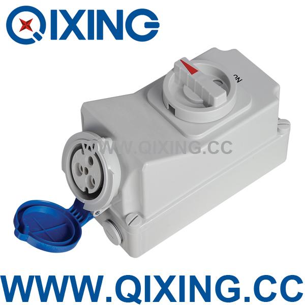 Пластиковый щиток Qixing  QX5696 IP44 230V 32A Interlock