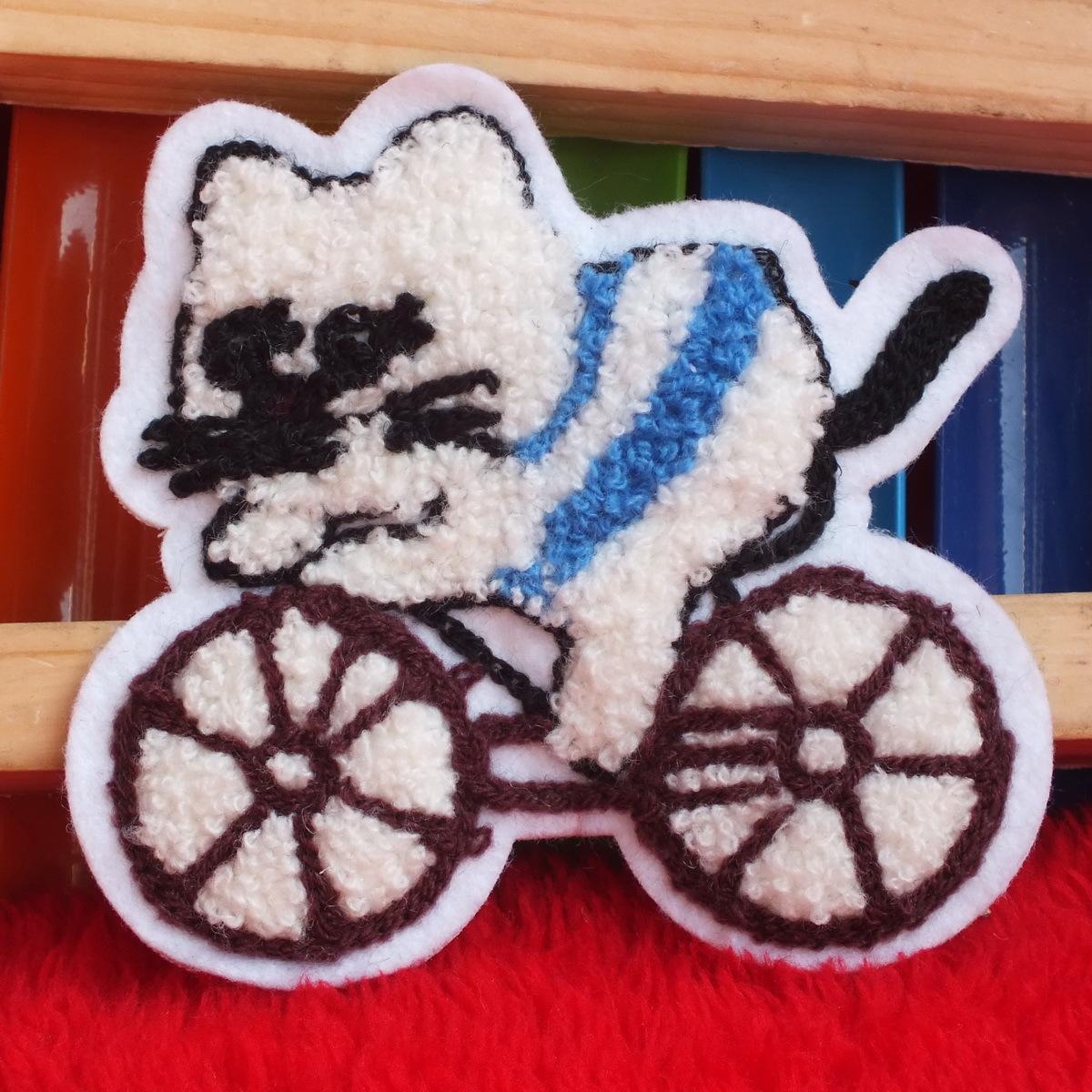 Липучка для пододеяльника Езда кошка DIY руки нашит свитер ткани наклейки шерсти вышивка 9 * 9.5 cm
