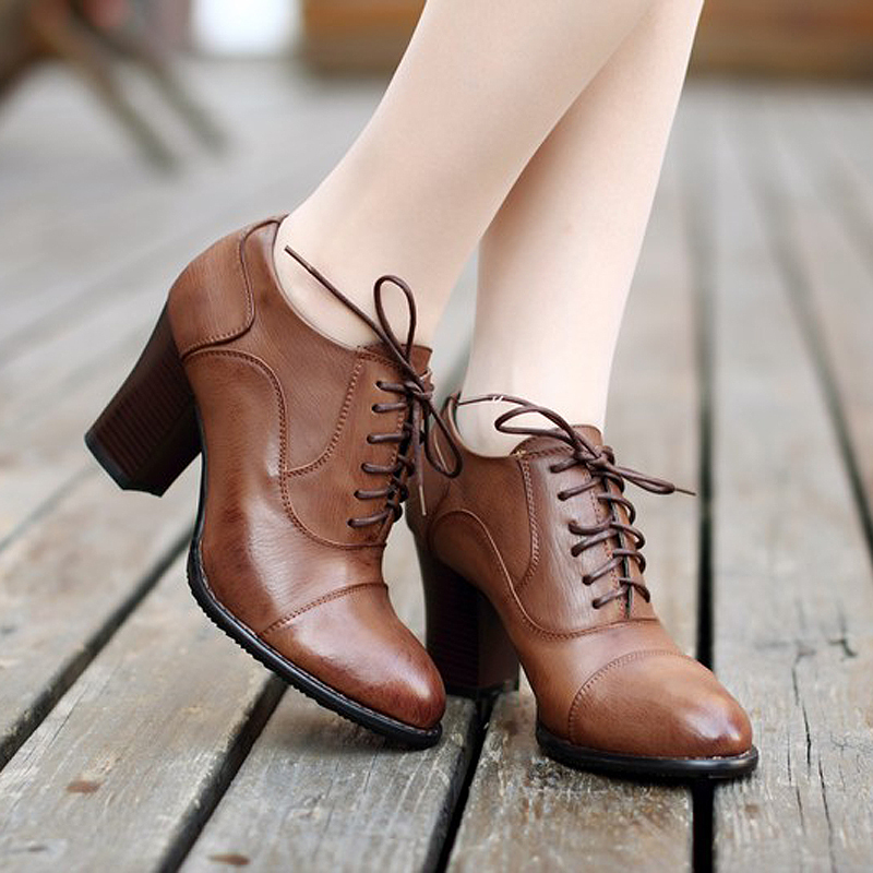 尖头鞋女粗跟