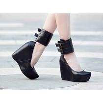 2012  夏季新款时尚前卫个性潮流环脚扣饰坡跟流行尖头纯色女单鞋