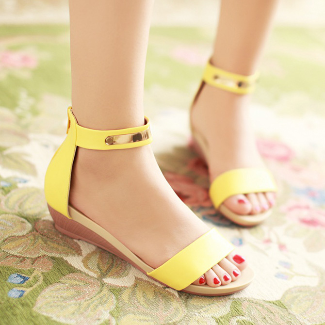 2014 new female student flat with flat Roman sandals summer shoes sweet Korean female lovely diamond girl