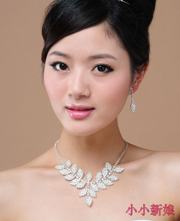Olive pearl diamond necklace chain of wedding dresses bridal pearl