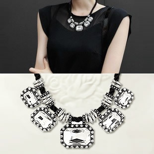 South Korea necklace female adornment short chain necklace, deserve to act the role of restoring ancient ways clavicle crystal stones