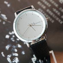Calvin Klein amantes de la moda mesa de mesa de moda las mujeres cinturón de reloj CK ver un par de mujeres en blanco y negro