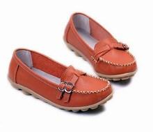三八妇女节24.8元妈妈鞋特价单鞋双排扣真皮平跟女鞋工作鞋护士鞋