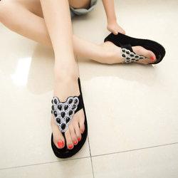 [限时两天] 夏季新款平底凉鞋带钻时尚夹趾女拖鞋防滑厚底女士沙滩鞋包邮热卖