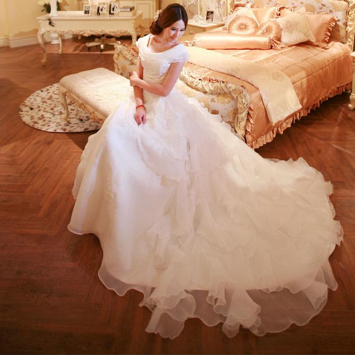 拖尾新娘婚纱礼服2013新款超豪华绑带韩版一字肩公主蕾丝皇室宫廷
