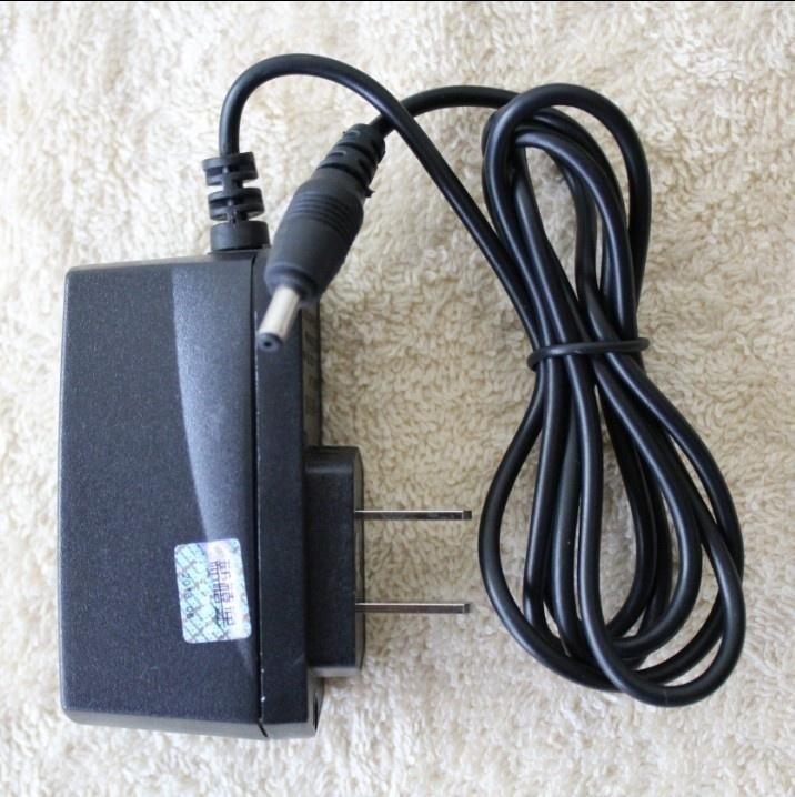 Зарядное устройство для мобильных телефонов Li Lin 3100 1110 1112 3230 6030 6670 7610 Li Lin
