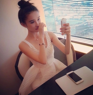 韩国代购2015夏装新款女装明星同款镂空中裙高腰蓬蓬裙夏季连衣裙