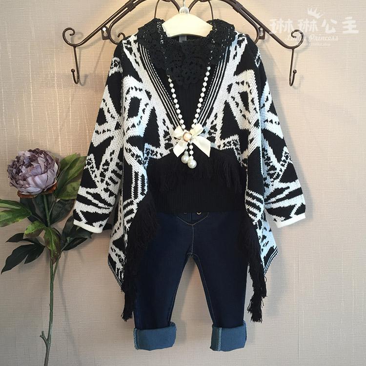 琳琳公主2015秋季新款女童欧美大牌几何图案毛衣开衫黑白色蝙蝠衫