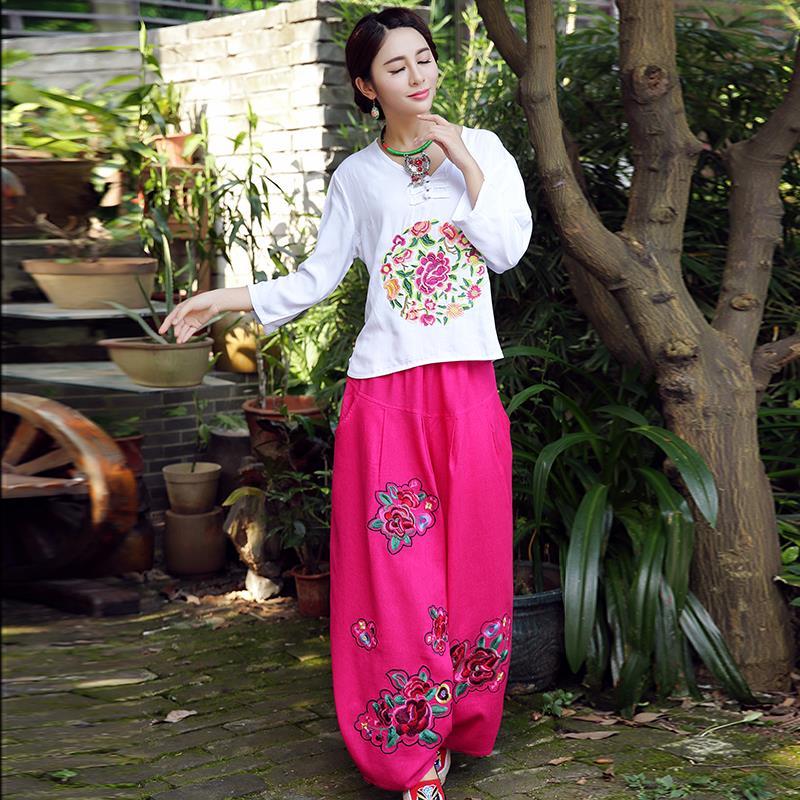 民族风春装新款 立体绣花圆领宽松舒适长袖女全棉T恤