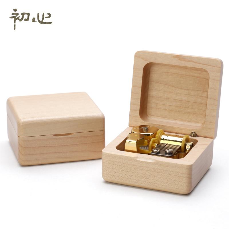 初心木质发条八音盒