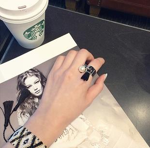 韩国代购 韩剧同款大热设计师款别致镀金黑色流苏珍珠戒指 包邮